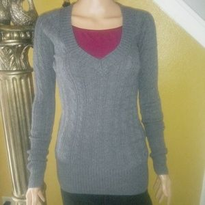 American Eagle grey v-neck sweater. Ribbed trim